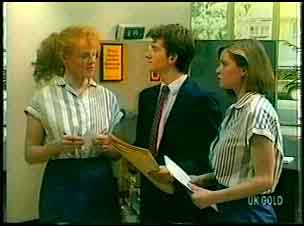 Sarah Richards, Danny Ramsay, Fiona in Neighbours Episode 0161