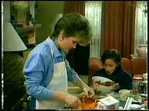 Daphne Clarke, Lucy Robinson in Neighbours Episode 0162