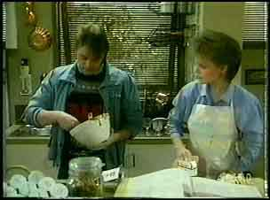 Shane Ramsay, Daphne Clarke in Neighbours Episode 0162