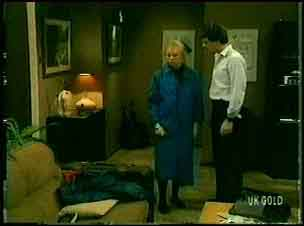 Terry Inglis, Paul Robinson  in Neighbours Episode 0162
