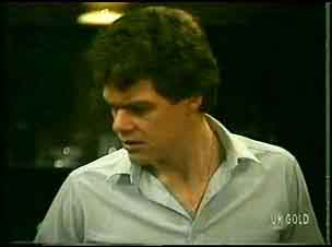 Paul Robinson  in Neighbours Episode 0162