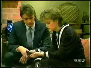 Shane Ramsay, Daphne Clarke in Neighbours Episode 0164