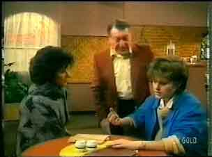 Barbara Hill, Harry Henderson, Daphne Clarke in Neighbours Episode 0165