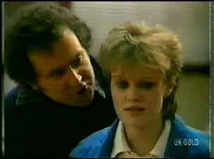 Max Ramsay, Daphne Clarke in Neighbours Episode 0165