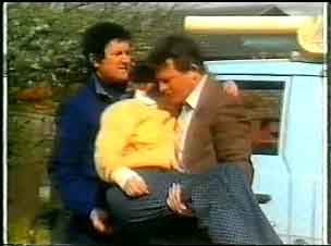 Max Ramsay, Daphne Clarke, Des Clarke in Neighbours Episode 0165