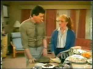 Des Clarke, Sarah Richards in Neighbours Episode 0166