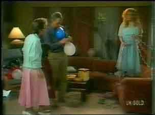 Daphne Clarke, Jim Robinson, Sarah Richards in Neighbours Episode 0167