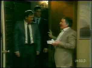 Inspector Jarvis, Detective, Harry Henderson in Neighbours Episode 0167