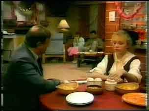 Inspector Jarvis, Daphne Clarke, Des Clarke, Terry Inglis in Neighbours Episode 0167