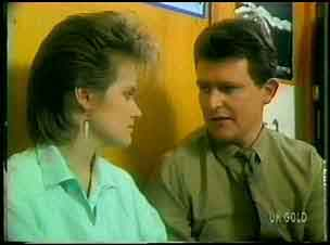 Daphne Clarke, Des Clarke in Neighbours Episode 0168