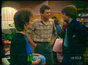 Daphne Clarke, Des Clarke, Scott Robinson in Neighbours Episode 0169