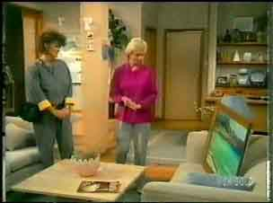 Mrs McKinley, Helen Daniels in Neighbours Episode 0170
