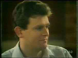 Des Clarke in Neighbours Episode 0170