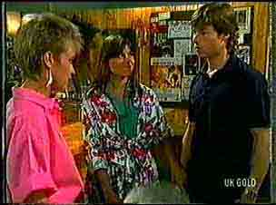 Daphne Lawrence, Zoe Davis, Mike Young in Neighbours Episode 0172