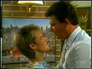 Daphne Lawrence, Des Clarke in Neighbours Episode 0173