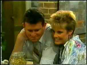 Des Clarke, Daphne Lawrence in Neighbours Episode 0173