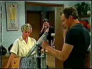 Helen Daniels, Paul Robinson, Jim Robinson in Neighbours Episode 0174