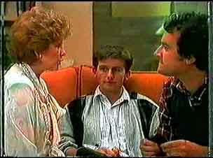 Madge Bishop, Danny Ramsay, Max Ramsay in Neighbours Episode 0174