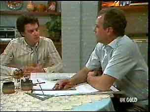 Paul Robinson, Jim Robinson in Neighbours Episode 0175