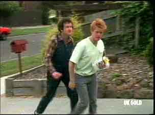 Max Ramsay, Clive Gibbons in Neighbours Episode 0175