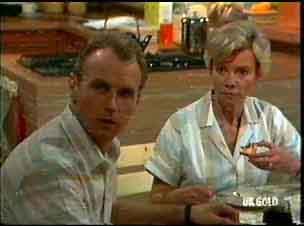 Jim Robinson, Helen Daniels in Neighbours Episode 0175