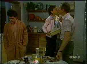 Paul Robinson, Lucy Robinson, Jim Robinson in Neighbours Episode 0176