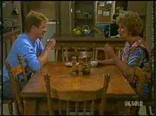 Clive Gibbons, Madge Mitchell in Neighbours Episode 0176