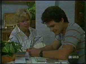 Helen Daniels, Paul Robinson in Neighbours Episode 0176