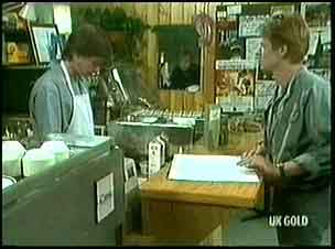 Mike Young, Clive Gibbons in Neighbours Episode 0177