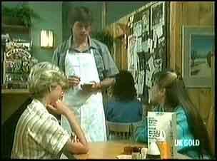 Helen Daniels, Mike Young, Nikki Dennison in Neighbours Episode 0177