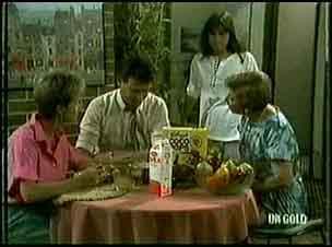 Daphne Clarke, Des Clarke, Zoe Davis, Eileen Clarke in Neighbours Episode 0179
