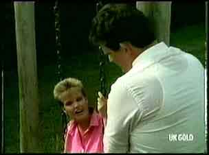 Daphne Clarke, Des Clarke in Neighbours Episode 0179