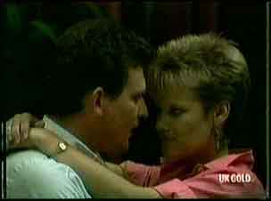 Des Clarke, Daphne Clarke in Neighbours Episode 0179