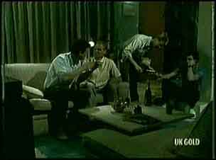 Des Clarke, Jim Robinson, Clive Gibbons, Paul Robinson in Neighbours Episode 0179