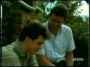 Paul Robinson, Des Clarke in Neighbours Episode 0180
