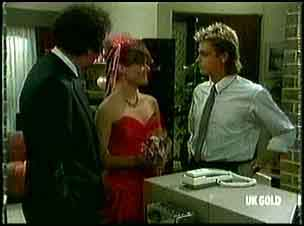 Max Ramsay, Zoe Davis, Shane Ramsay in Neighbours Episode 0180