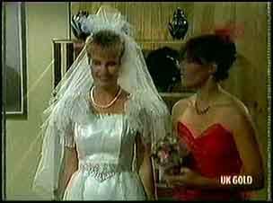 Daphne Clarke, Zoe Davis in Neighbours Episode 0180