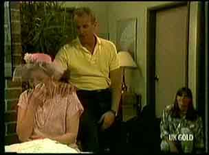 Eileen Clarke, Jim Robinson, Zoe Davis in Neighbours Episode 0181