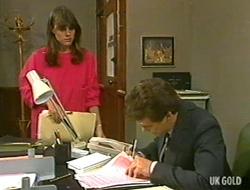 Zoe Davis, Paul Robinson in Neighbours Episode 0234