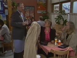 Harold Bishop, Amanda Harris, Jane Harris in Neighbours Episode 0563