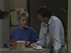 Daphne Clarke, Des Clarke in Neighbours Episode 0590