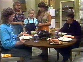 Henry Ramsay, Bronwyn Davies, Katie Landers, Kerry Bishop, Joe Mangel in Neighbours Episode 0895