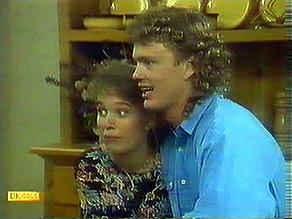 Bronwyn Davies, Henry Ramsay in Neighbours Episode 0895