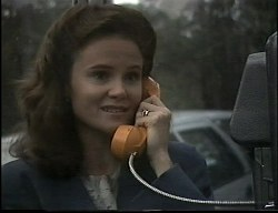 Julie Robinson in Neighbours Episode 1726