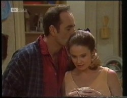 Philip Martin, Julie Robinson in Neighbours Episode 1891