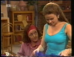 Pam Willis, Julie Robinson in Neighbours Episode 1891