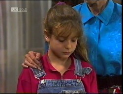 Hannah Martin, Helen Daniels in Neighbours Episode 1921
