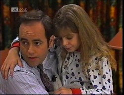 Philip Martin, Hannah Martin in Neighbours Episode 1921