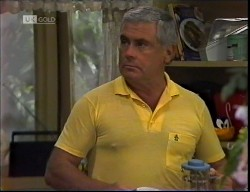 Lou Carpenter in Neighbours Episode 1921