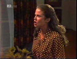 Julie Robinson in Neighbours Episode 1921